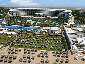 Пляж и бассейны в MAXX ROYAL BELEK GOLF RESORT 5 *