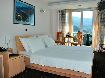 MONTENEGRO BEACH & RESORT 4*