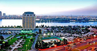 HOLIDAY INTERNATIONAL SHARJAH 4*